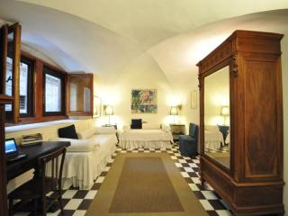 SS. Apostoli apartment - Florence vacation rentals