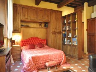 Begonia apartment - Florence vacation rentals