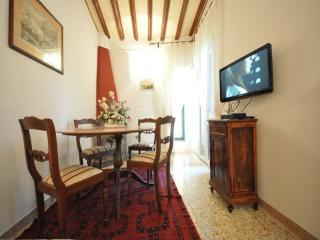 Nice Condo with Balcony and A/C - Florence vacation rentals