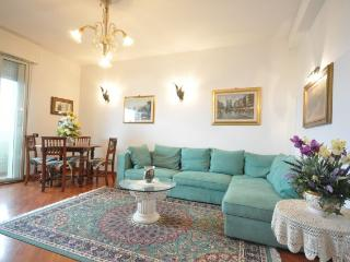 Comfortable Condo with Balcony and Satellite Or Cable TV - Cesenatico vacation rentals