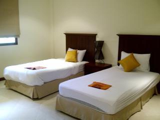 BAN425 - Bangtao Apartment For Rent, Near Beach - Bang Tao vacation rentals