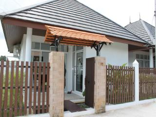 TAL466 Fully Furnished One Bedroom Bungalow For Rent In Thalang - Thalang vacation rentals