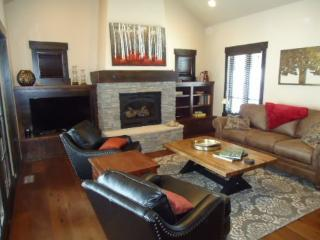 Cozy 2 bedroom Vacation Rental in Donnelly - Donnelly vacation rentals