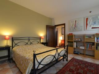AI TALENTI Family Apartment with beautiful garden - Padua vacation rentals