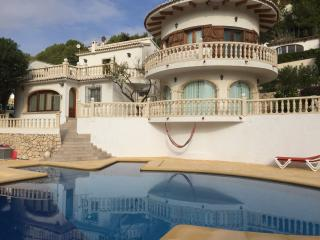VILLA LAS DOS RAQUETAS, 3BEDROOMS, POOL, SEAVIEW - Moraira vacation rentals