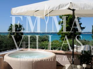 Romantic 1 bedroom Sirmione Villa with Internet Access - Sirmione vacation rentals