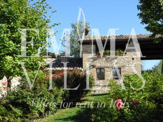 Charming 2 bedroom Macerata Villa with Internet Access - Macerata vacation rentals