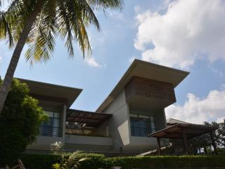 BEST VILLA MAENAM ON BEACH see photos! Specials !! - Mae Nam vacation rentals