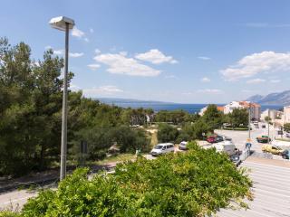 Nice Apt For 4-5 With Big Balcony Baska Voda!! - Baška vacation rentals