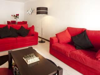 Modern 2 bedroom apartment ii Meia Praia, Lagos - Lagos vacation rentals
