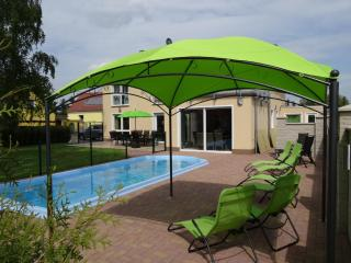 Nice Villa with Television and Microwave - Neuenhagen vacation rentals