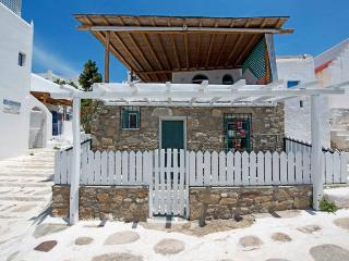 Holiday House In The Heart Of Mykonos Town - Mykonos Town vacation rentals