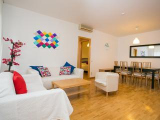 Sagrada Familia 4 Bedroom 2 Bathrooms (up to 7) - Barcelona vacation rentals
