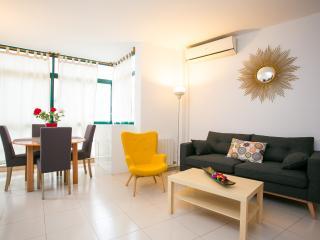 3 Bedroom Apartment, 2 Bathroom - Barcelona vacation rentals