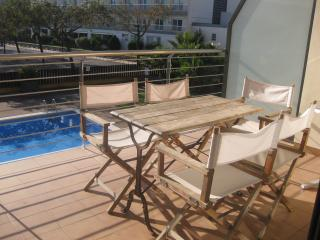 Apartment with view at the sea with pool - Roses vacation rentals