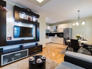 Exclusive Apartment ALBA ROSA - Split vacation rentals
