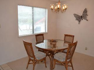 Nice Condo with Internet Access and A/C - Canyon Lake vacation rentals