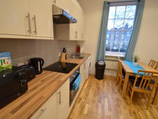2 Bed Apartment near Angel & London City - 24 - London vacation rentals