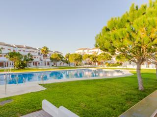 Pool, 600 m from La Barrosa beach - Novo Sancti Petri vacation rentals