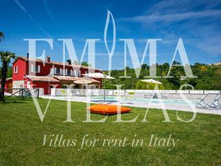 Adorable Villa in Pesaro with Internet Access, sleeps 16 - Pesaro vacation rentals