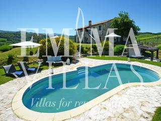 Nice Villa with Internet Access and Dishwasher - Todi vacation rentals