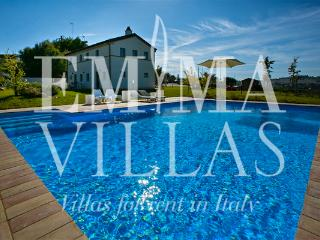 Nice Villa with Internet Access and Dishwasher - Ancona vacation rentals