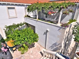 Apartments Mladinic A3 - Pucisce vacation rentals