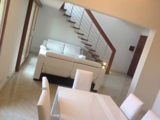 Fort Chambray luxury duplex with seaviews - Ghajnsielem vacation rentals