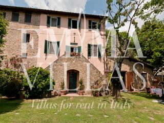 Nice Villa with Internet Access and Dishwasher - Lucca vacation rentals