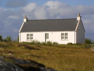 2 bedroom Cottage with Internet Access in Askernish - Askernish vacation rentals