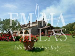 Villa Helianthus 12 - Arezzo vacation rentals