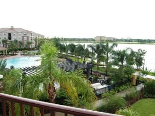 A spacious vacation condo near all the major theme parks, and Orange County Convention Center - Disney vacation rentals