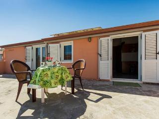 Appartamento Casa Vacanze Sant Antioco Centro - Sant Antioco vacation rentals