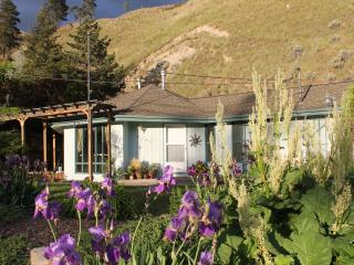Cozy 2 bedroom House in Penticton - Penticton vacation rentals