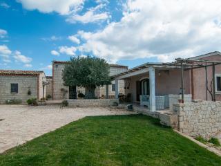 2 bedroom Villa with Deck in Rosolini - Rosolini vacation rentals