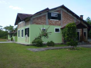 Casa em contato com natureza perto  reserva juréia - Peruibe vacation rentals