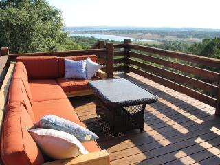 Hill Country Haus - A Texas Hill Country Escape - Canyon Lake vacation rentals