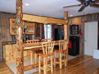 3 bedroom Lodge with Internet Access in Gorham - Gorham vacation rentals