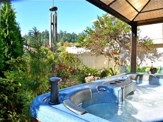 Lovely Guest Suite-Hot tub nr Ocean/ Forest/Castle - Victoria vacation rentals