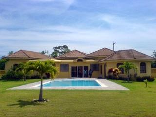 Guest Friendly Villa 5 minutes to town and beach - Sosua vacation rentals