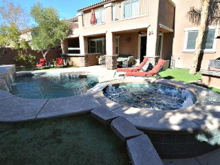 NV7197 wow! spacious 5 bed 3 bath with pool/spa - Las Vegas vacation rentals