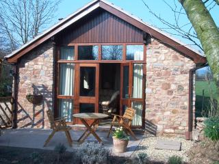 The Barn, Higher Yarde Farm, Staplegrove, Taunton, Somerset, TA2 6SW - Taunton vacation rentals