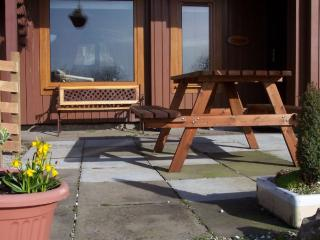 Charming 2 bedroom Kilchoan Cabin with High Chair - Kilchoan vacation rentals