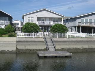 4 bedroom Cottage with Deck in Ocean Isle Beach - Ocean Isle Beach vacation rentals