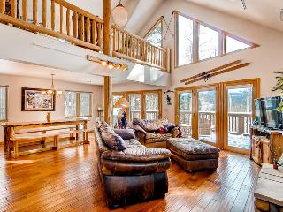 Beautiful 4BR Home on Peak 7, includes 2 gondola parking passes - Columbine Rock Lodge - Breckenridge vacation rentals