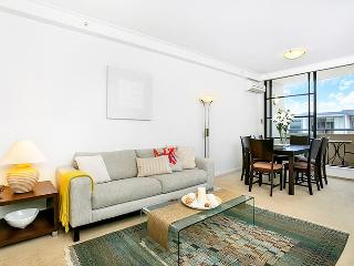 AX803 - Excellent Transport access - North Sydney vacation rentals