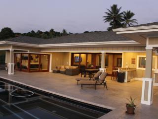 Beautiful NEW Home 4 bdr/4.5 ba 180 Degree View - Kailua-Kona vacation rentals