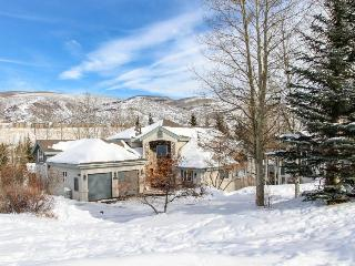Immaculate and palatial dog-friendly estate in Eagle Vail - close to skiing - Beaver Creek vacation rentals