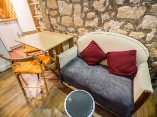 Le Marais, Cosy Apt, Great Location - Paris vacation rentals