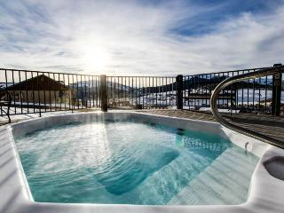 Rustic ski-in/ski-out condo with shared hot tub, close to slopes! - Crested Butte vacation rentals